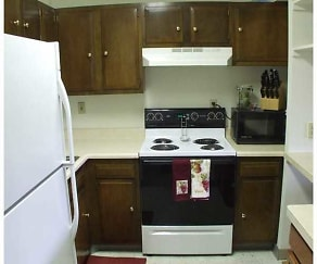 Kitchen, Maple Ridge Apartments