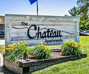 Community Signage, The Chateau
