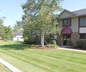 Building, Ravenna Woods Apartments
