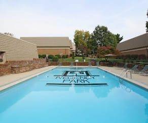 Pool, Regency Park
