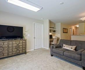 Living Room, River Hills Apartments