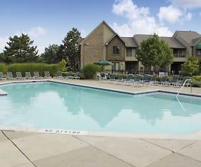 Pool, Polo Club