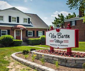 Van Buren Village apartments in Kettering, OH, Van Buren Village