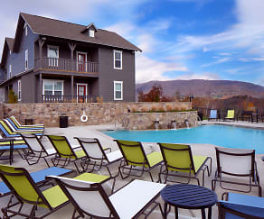 Pool, The Cottages Of Boone - PER BED LEASE