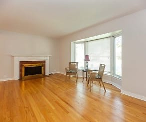 Living Room, 11 W Touhy Ave