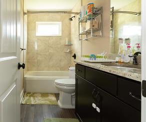 Bathroom 3.jpg, 18 Winding Lane