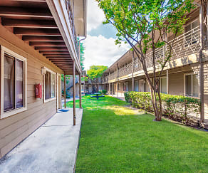Building, Upper E - Sherman Oaks