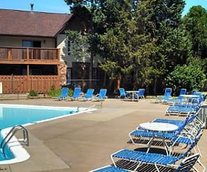 Pool, Chateau Knoll Apartments