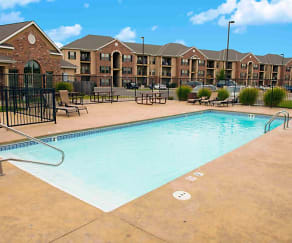 Pool, Highland Ridge Apartments