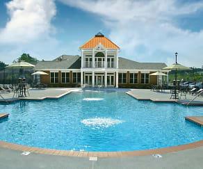 Pool, White Oak Luxury Apartments