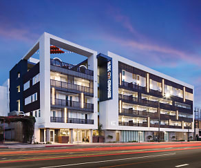 Building, AMLI Lex on Orange