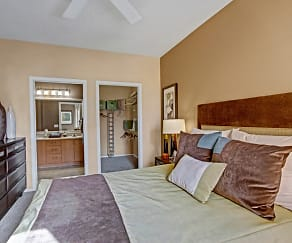 Master Bedroom with Walk-In Closet and En Suite Bathroom, Fresco Apartment Homes