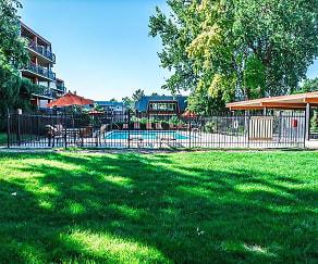 Pool, Cedar Run Apartments