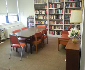 Library at B'nai B'rith Senior Apartments in Wilkes-Barre, PA, Martin D. Popky, B'nai B'rith Senior Apartments