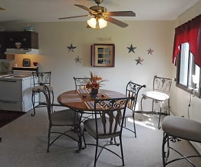 Dining Room, Fairway Woods Apartments
