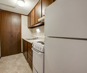 Kitchen, Cedargate Apartments (Enon)