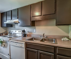 Kitchen, Walnut Glen Apartments