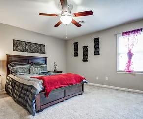 Bedroom, Williamsburg Manor Apartments