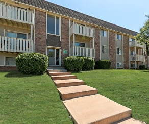 Building, Hearth Hollow Apartments
