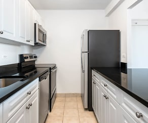 Kitchen, The Towers at Longfellow