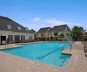 Pool, Crowne at Old Carolina