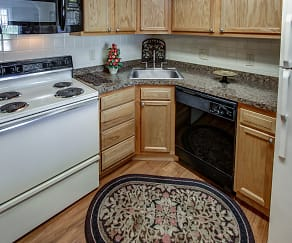 Kitchen, Quakertowne Apartments