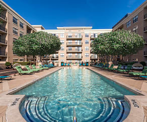 Pool, Oakwood Dallas Uptown
