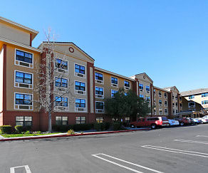 Building, Furnished Studio - Los Angeles - Burbank Airport