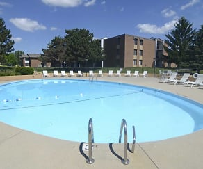 Pool, Park Plaza Apartments