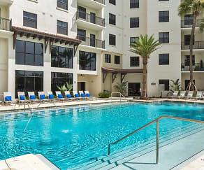 Pool, 2 Bayshore