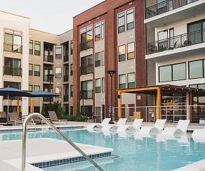 Pool, Modera Sandy Springs