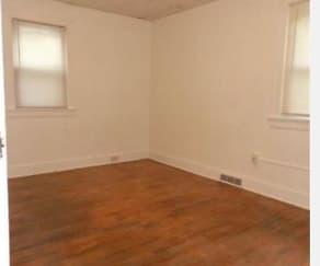 bedroom1.jpg, 1013 Lilac