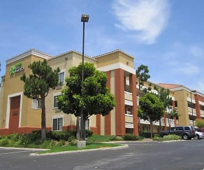 Building, Furnished Studio - Orange County - Brea