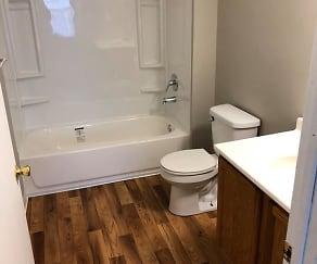 Bathroom, Hilltop Ridge