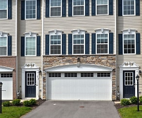 211 Grace Manor Dr, Fernway, PA