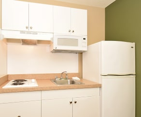 Kitchen, Furnished Studio - Jacksonville - Southside - St. Johns Towne Ctr.