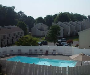Pool, Foxglen Townhouses