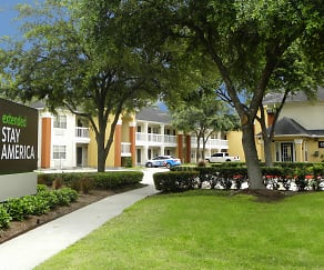 Community Signage, Furnished Studio - Houston - Willowbrook