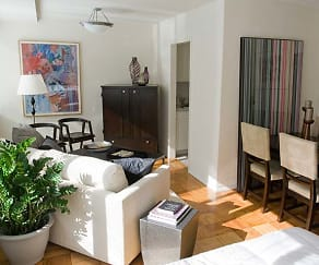 Living Room, The Statesman