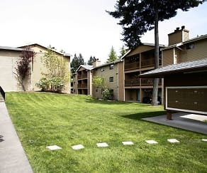 Courtyard, Chambers Creek Estates