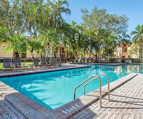 The Landings at Pembroke Lakes- Swimming Pool, The Landings at Pembroke Lakes Apartments