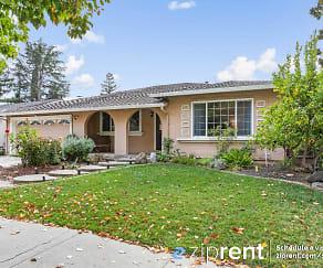 567 Churchill Park Dr, Gilroy, CA