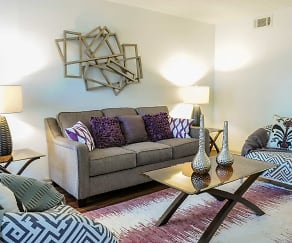 Living Room, 1500 Oak