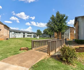 Building, Arbor Creek Apartments