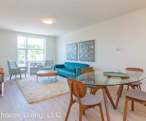 Dining Room, 550 Halstead Ave