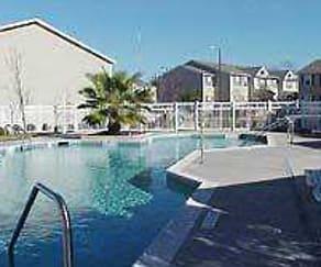 Pool, Saddlewood Club