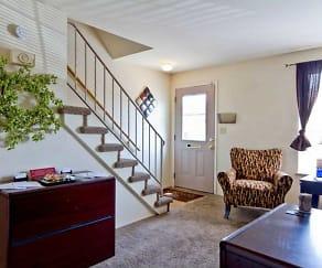 Living Room, Pine Run Townhomes