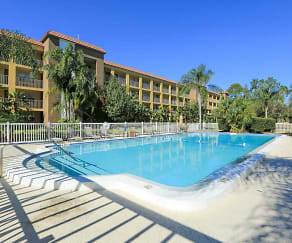 Pool, Griffin Park Apartments