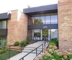 Image 1, 1325 N Sterling Ave Unit 215