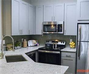 Kitchen, Park at Chastain